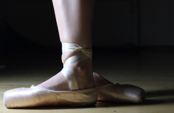 Dance is 'On Pointe' this Holiday Thanks to Disney+